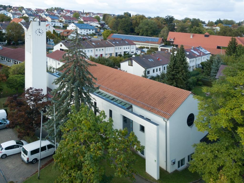 Kirchenansicht Hl. Kreuz Stetten